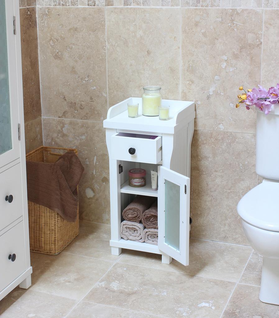 Make Small Bathroom Look Big