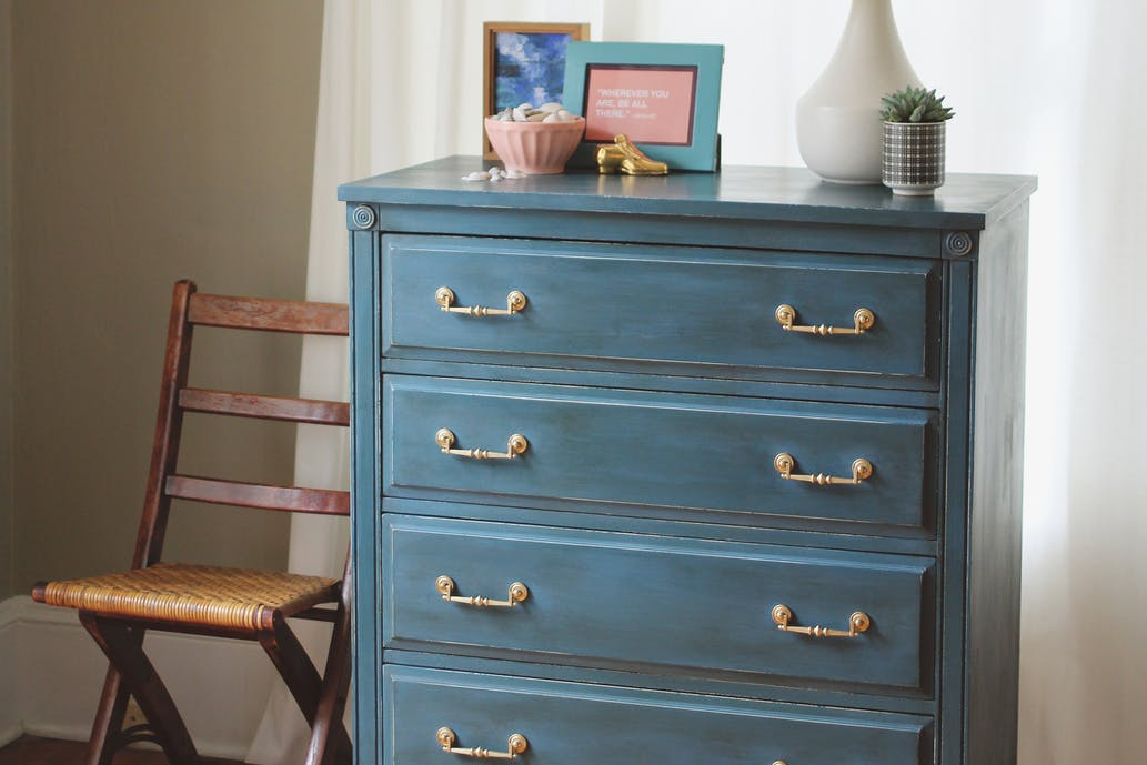 How to Use Chalk Paint with a Finish Max